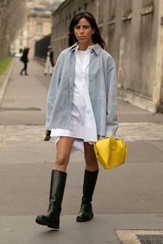 Nothing Compares To Paris Fashion Week Street Style New Street Style, Looks Street Style, Urban Street Style, Street Style Trends, Autumn Street Style, Cool Street Fashion, Street Style Women, Paris Fashion, Street Chic