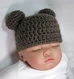 Make this sweet baby bear cap with Vanna's Choice!