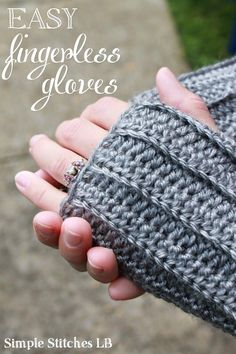Craft Gifts For Father - Fantastic Present Strategies Simple Stitches: Free Pattern: Easy Ribbed Fingerless Gloves Crochet Fingerless Gloves Free Pattern, Fingerless Gloves Knitted, Bag Crochet, Crochet Gratis, Crotchet, Crochet Baby, Free Crochet, Crochet Hand Warmers, Tsumtsum