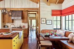A Home That Builds on Tradition Mountain Living, Mountain Cottage, Chic Bathrooms, Rustic Bathrooms, Outdoor Seating Areas, Japanese House, Rustic Kitchen, Kitchen Nook, Kitchen Ideas