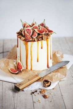holy mother of fig! 13 Stunning Wedding Cakes Topped With Fruit