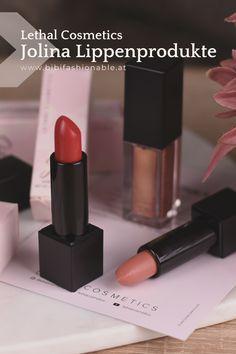 Zwei wunderschöne cremige Lippenstifte und ein ganz spezieller Gloss wurde von Jolina Mennen in Zusammenarbeit mit Lethal Cosmetics kreiert. Wer Jolina kennt der erkennt sie in den Farben der Produkte wieder. Lipgloss, Liquid Lipstick, Lipbalm, Beauty Review, Make Up, Vegan, Group, Board, Top