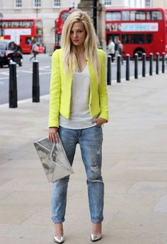 Mia Paty | Wearing Ripped Jeans | Chicisimo