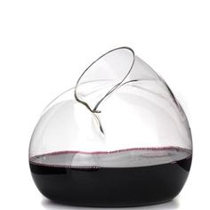 Sede Decanter - Decanter with a basic morfology that lends it an expression, combined with the advantages of hand blown glass - Gonçalo Campos Studio