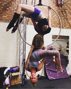 """""""@meganlouisebelcher and friend get into the DOUBLE CRAB! Tag a friend and figure out who's going high and who's going low. #AerialNation #AerialHoop #Hoop…"""""""