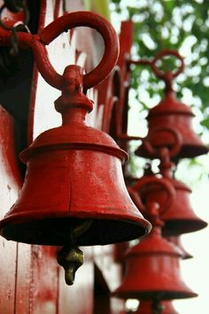 Ring my bell Color Borgoña, Temple Bells, I See Red, Ring My Bell, Red Cottage, Simply Red, Red Aesthetic, Cherry Red, Shades Of Red