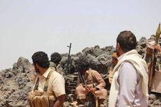 #موسوعة_اليمن_الإخبارية l قوات الشرعية تتعرض لخيانة في جبهة الكدحة.. والطيران العسكري يطارد الخونة ويقصف مواقعهم في هذه الأثنا