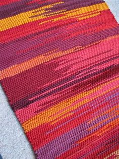pictures of rug weaving - Bing images pictures of rug weaving – Bing images Weaving Textiles, Weaving Patterns, Tapestry Weaving, Inkle Weaving, Hand Weaving, Rug Texture, Weaving Projects, Weaving Techniques, Woven Rug