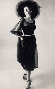 Dorian Leigh wearing dress and hat by Christian Dior, photo by Irving Penn, 1946