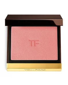 TOM FORD Cheek Color DetailsSymmetrical, sculpted cheekbones are vital to creating the Tom Ford look. This sumptuous powder blush delivers layers of possibility, from a sexy glow to a more dramatic, c
