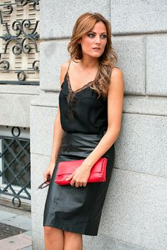 Women handbags is a symbol of fashion flag for most women - Daily Women handbags is a symbol of fashion flag for most women with no stops,direct and return flights available . Skirt Outfits, Dress Skirt, Black Leather Skirts, Leather Fashion, Business Women, Summer Outfits, Summer Clothes, Tights, Zara Bags