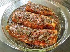 Przepis na smaczną, wyrazistą i bardzo aromatyczną marynatę, która świetnie pasuje do różnego rodzaju mięs m.in. polędwicy czy schabu, ale dobrze sprawdzi się także do ryb np. łososia. Roast Recipes, Cooking Recipes, Healthy Recipes, Sandwiches, Fast Dinners, Polish Recipes, Polish Food, Food Inspiration, Good Food