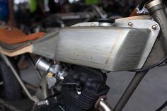 rocketeer: sexiest Honda i've ever laid eyes on. built by bigcat motor art Honda Cg125, Bees Knees, Kustom, Bobber, Cars Motorcycles, Cycling, Bike, Sexy, Eyes