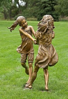 Angela Mia De la Vega breathes a realistic beauty into each of her lifelike bronze sculptures. For De la Vega, sculpting is an opportunity to capture Art Sculpture, Abstract Sculpture, Metal Sculptures, Adorable Petite Fille, Statue En Bronze, Street Art, Wassily Kandinsky, Garden Statues, Outdoor Art