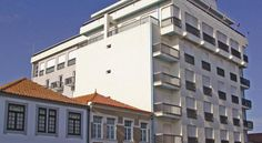 Hotel Barra Ílhavo Hotel Barra is situated only 200 metres from the sandy Praia da Barra, a renowned spot for surfing and water-sports. The property features access to outdoor swimming pools next to the Barra seawall, just 50 metres away.