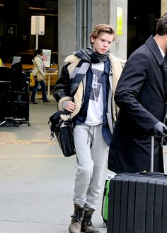 Thomas Brodie-Sangster arriving in Vancouver, Canada to film The Death Cure. [2016.03.06.] maximoffchildren Follow