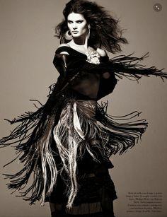 Vogue Itália Agosto 2014 | Isabeli Fontana por Steven Meisel