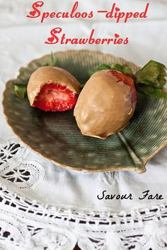 Speculoos-Dipped Strawberries - Savour Fare Quick Recipes, Healthy Recipes, Fruit Pizza Bar, Fruit Love, Dipped Strawberries, Strawberry Dip, White Chocolate Chips, Finger Foods, Sweet Tooth