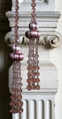 Mal etwas anders zeigt sich die #Kordel bzw. #Quaste mit großen Perlen.