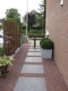 Aanleg gehele tuin   Brinke-Elst Brick Patios, Garden Design, Exterior, Brick And Stone, Dream Garden, Interior And Exterior, Outdoor Living, Home And Garden, Front Yard