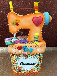 Costurero Foam Crafts, Diy And Crafts, Application Pattern, Ideas Para Fiestas, Sew On Patches, Paper Toys, Pin Cushions, Barbie Dolls, Decoupage