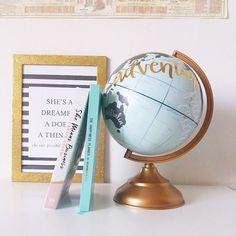 Got any travel plans? 🌍📷😊 .  .  .  .  #shemeansbusiness #carriegreen #fempreneur #world #maailma #matka #matkustaminen #adventure #seikkailu #maapallo #karttapallo #kirja #planner #kalenteri #she #dream #yrittäjä #hayhouse #happinessplanner #thehappinessplanner #