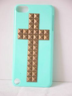 Shapotkina Punk Style Protective Case for Ipod Touch 5 Sky blue Cover with Bronze Cross Studs+Westlinke LOGO Stylus Shapotkina http://www.amazon.com/dp/B00FJ246PO/ref=cm_sw_r_pi_dp_C9L4tb1JSY4PS
