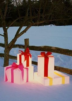 I love these light up Christmas presents, they look lovely under a tree.