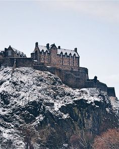 Strolling through Edinburgh (instead of taking the bus) the morning after the snowfall  What are your plans this weekend? Mine involve lots of brunch... Enjoy folks  #storiesfromscotland See more from Scotland at http://laretour.com