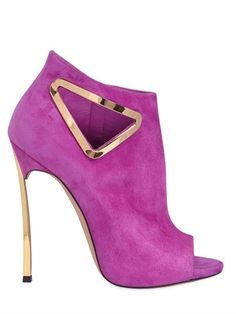 ON SALE WAS: $1,070.00 NOW: $749.00 120mm Blade Triangle Cut Out Suede Boots Posted on December 20, 2014 120mm Gold color metal Blade heel 10mm Internal platform Side zip Open toe Cut out with gold color metal detail Leather sole