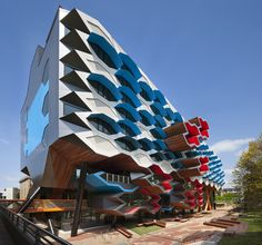 la trobe institute for molecular science by lyons architects