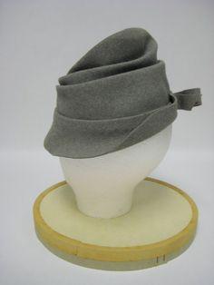1950 cappello con fiocco di feltro grigio di MimiCloset su Etsy Wide-brim  Hat 2d02fc8c2609