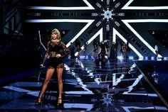 Taylor Swift - Victoria's Secret Fashion Show 2014