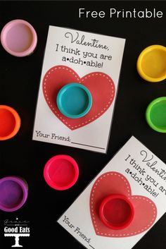 This Play-Doh Valentine Free Printable is a perfect non-candy treat option for Valentine& Day. Print at home and gift with small packages of Play-Doh. We& big fans of Play-Doh at our house. It& minimally messy Funny Valentine, Roses Valentine, Kinder Valentines, Valentines Day Treats, Valentine Day Crafts, Preschool Valentine Ideas, Valentine Gifts For Toddlers, Valentines Ideas For School, Valentine Party