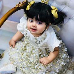 Expecting A Baby? Cute Baby Girl Photos, Cute Kids Pics, Cute Baby Pictures, Cute Baby Girl Wallpaper, Cute Baby Dolls, Adorable Babies, Cute Babies Photography, Baby Girl Halloween, Cute Kids Fashion