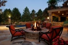 This fire pit would look excellent in my future backyard...