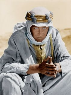 Lawrence of Arabia is a 1962 British epic film based on the life of T. Lawrence, starring Peter O'Toole. Good lines - Sherif Ali: What is your name? Lawrence: My name is for my friends. None of my friends is a murderer! Peter O'toole, Old Movies, Great Movies, Vintage Hollywood, Classic Hollywood, Hollywood Men, Hollywood Icons, Movie Stars, Movie Tv