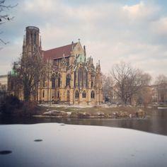 So cool: Die Johanneskirche am Feuersee in Stuttgart! Wart Ihr schon dort?