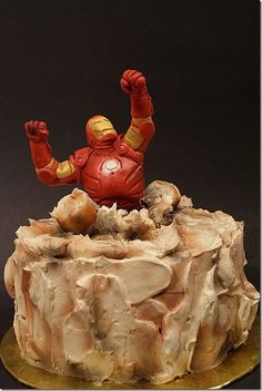 Ironman cake! Would love to make something like this for Gabriel this year!