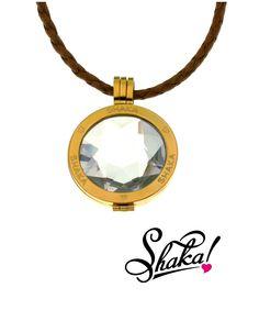 El #regalooriginal perfecto de estas #Navidades... las #Shakoin By Shaka.  Soporte en dorado con #circonitas engastadas, #moneda Glow Star Blanca y #cadena en #cuero marrón