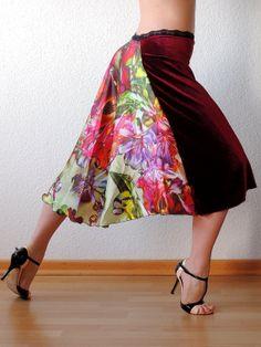 Red Floral Tango Skirt van Selalma op Etsy, €70.00