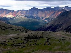 Rainbow Range (Chilcotin Plateau) - Wikipedia, the free encyclopedia Beautiful Sites, Beautiful Places, British Columbia, Discover Canada, Largest Countries, Great Pictures, Beautiful Pictures, Future Travel, The Great Outdoors