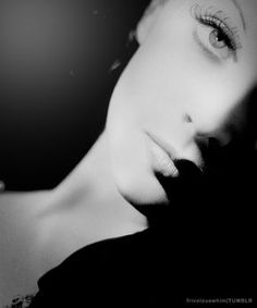 Vivien Leigh....one of the most beautiful women in the world and one of the most tortured. RIP Miss Vivian♥