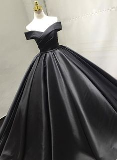 On Sale Substantial V-Neck Prom Dresses, Black Prom Dresses, Prom Dresses Long V Neck Prom Dresses, Ball Gowns Prom, Ball Gown Dresses, Formal Dresses, Black Evening Dresses, Black Wedding Dresses, Black Quinceanera Dresses, Pretty Dresses, Beautiful Dresses