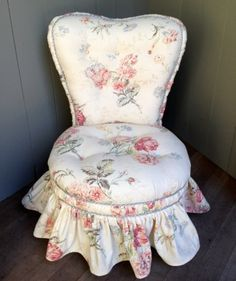 FABULOUS 40s on Pinterest   Antique Vanity, Slipper Chairs and ...