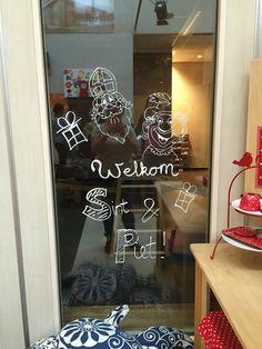 Drawing window Sinterklaas tekening raam schildering krijt krijtstift versiering decoratie