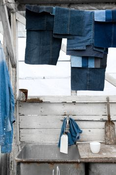 I wear my blue jeans, I wear my old blue jeans yeah! In Cheyenne Wyoming there is not nothing better than a good 'ol pair of blue jeans...