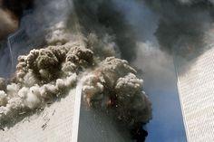 New York: Um 9.59 Uhr hat sich das Feuer im World Trade Center weit…