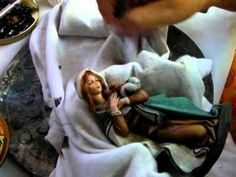 COMO HACER UNA PATINA PARA TERMINACIÓN DE FIGURAS - TERMINATION OF FIGURES WITH PATINA - YouTube Decoupage, Nativity, Youtube, Virgin Mary, Painting, Tutorials, Diy And Crafts, Dog, Ideas