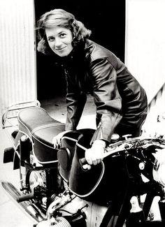 Anke-Eve Goldmann with her BMW R69.